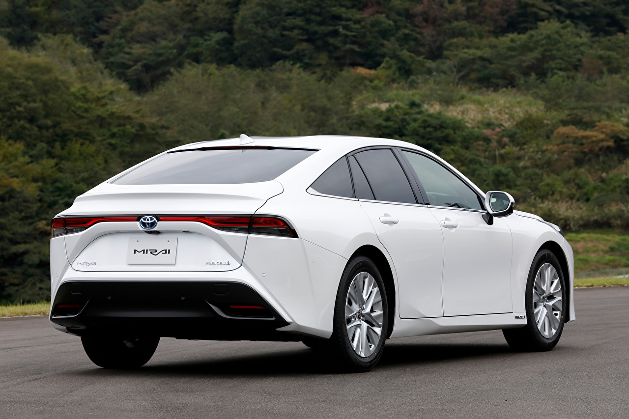 Фотографии Тойота Mirai G Executive Package, JP-spec, 2020 белых авто Сзади Металлик Toyota белая белые Белый машины машина вид сзади Автомобили автомобиль