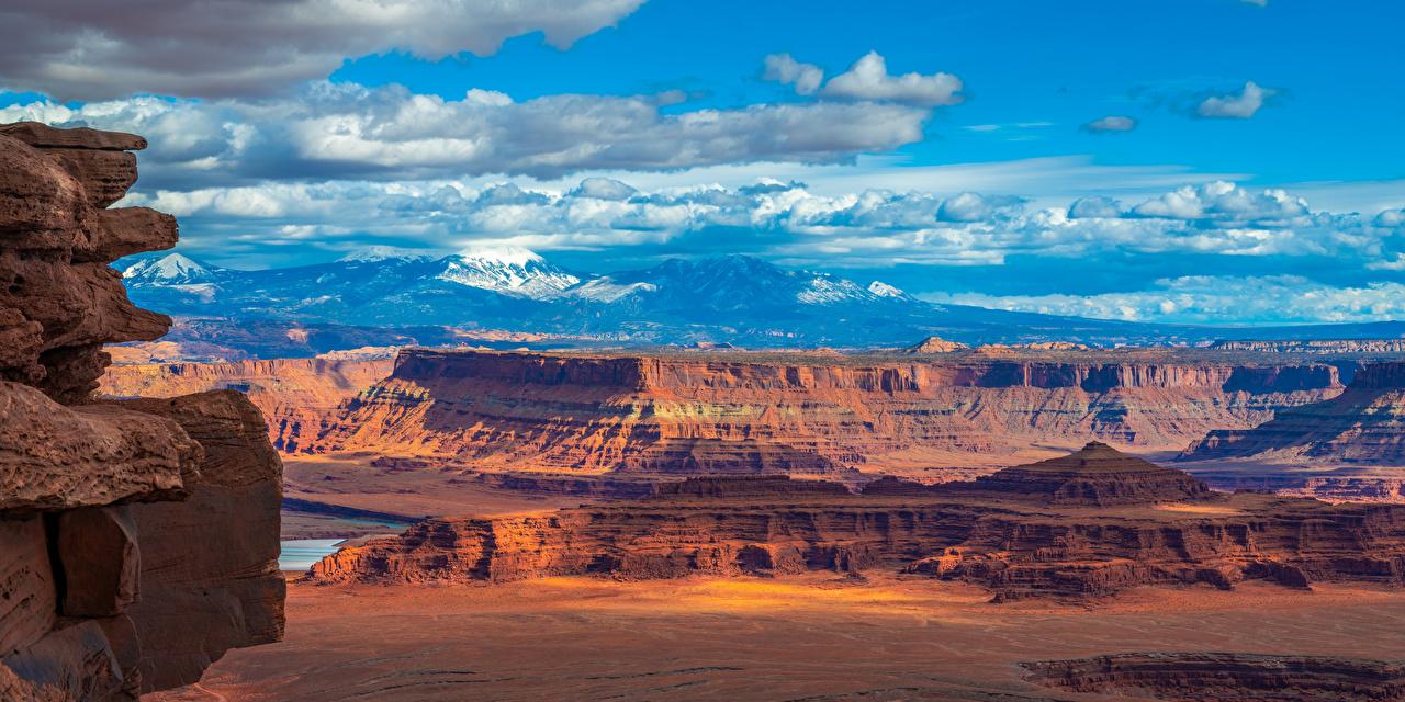Обои для рабочего стола штаты Панорама Canyonlands National Park, Utah Горы Утес каньоны Природа Парки Пейзаж США америка панорамная гора Скала скале скалы Каньон каньона парк