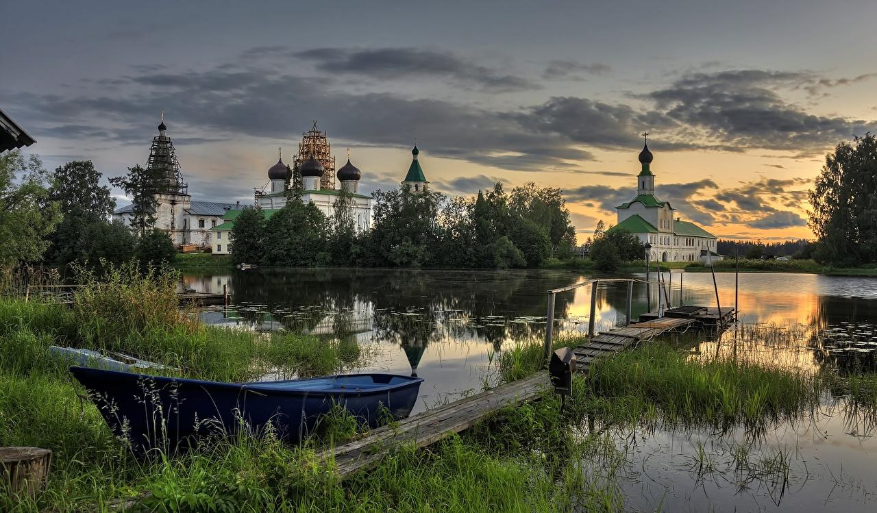 Фото Монастырь Россия Arkhangelsk region, Trinity Antonievo-Siysky monastery Природа Озеро рассвет и закат Лодки Рассветы и закаты