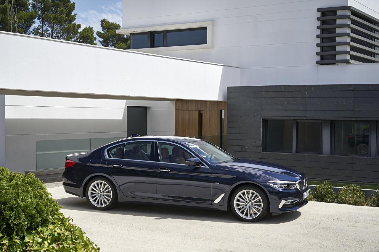 Картинки БМВ xDrive 530d Luxury Line 2017 5-series G30 синяя Сбоку Автомобили BMW синих синие Синий авто машина машины автомобиль