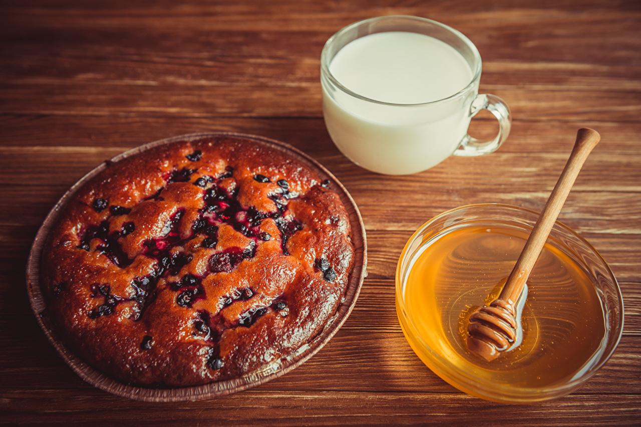 Картинки Пирог Молоко Мед Еда чашке Выпечка Пища Чашка Продукты питания