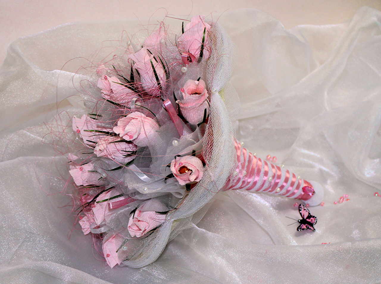 Фотографии Бабочки букет Розы розовые цветок бабочка Букеты роза розовых розовая Розовый Цветы