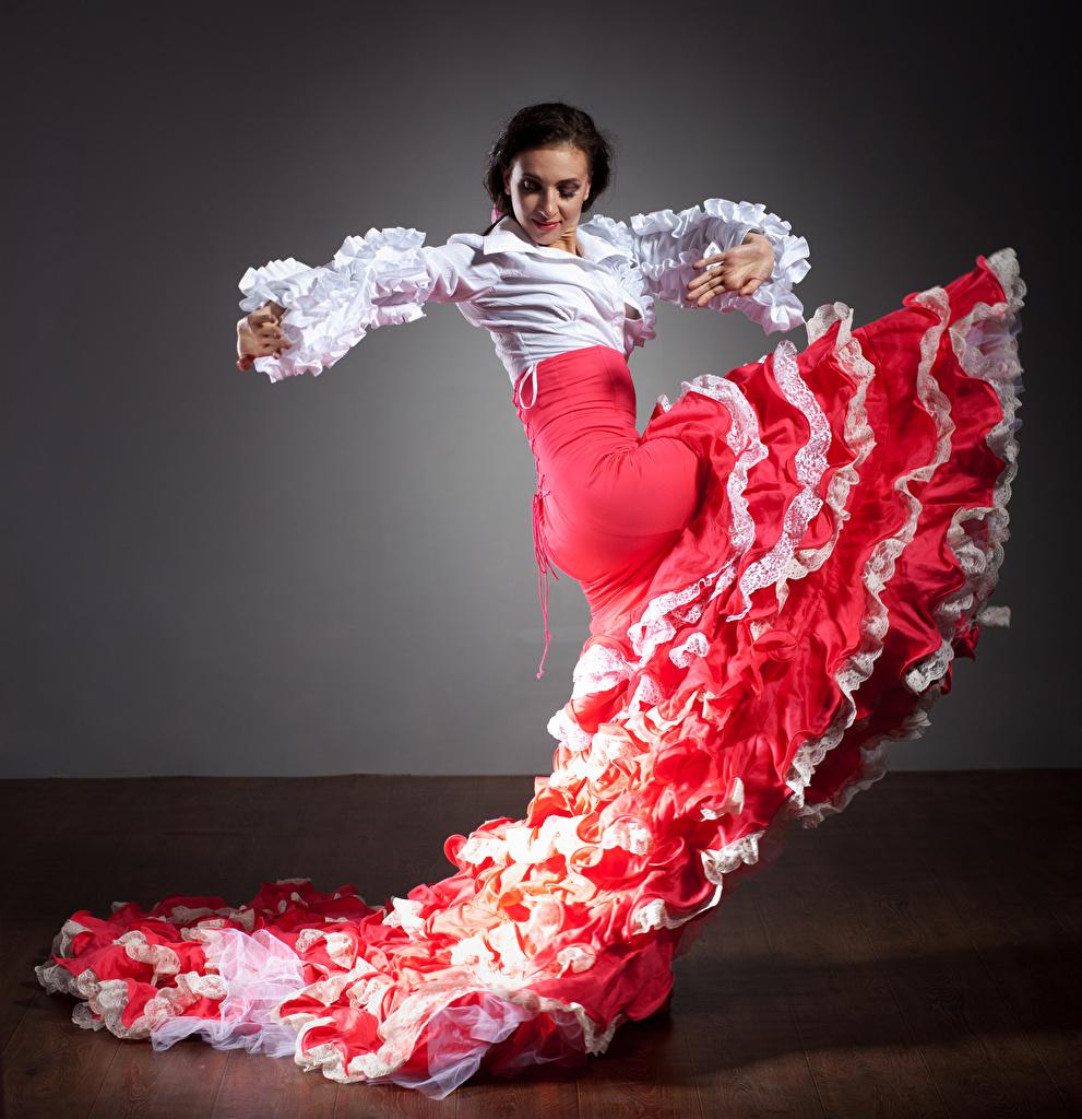 Фото Юбка Брюнетка танцует Девушки юбке юбки брюнеток брюнетки Танцы танцуют девушка молодые женщины молодая женщина