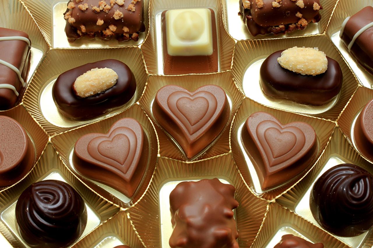 Фото Сердце Шоколад Конфеты Пища сладкая еда серце сердца сердечко Еда Продукты питания Сладости