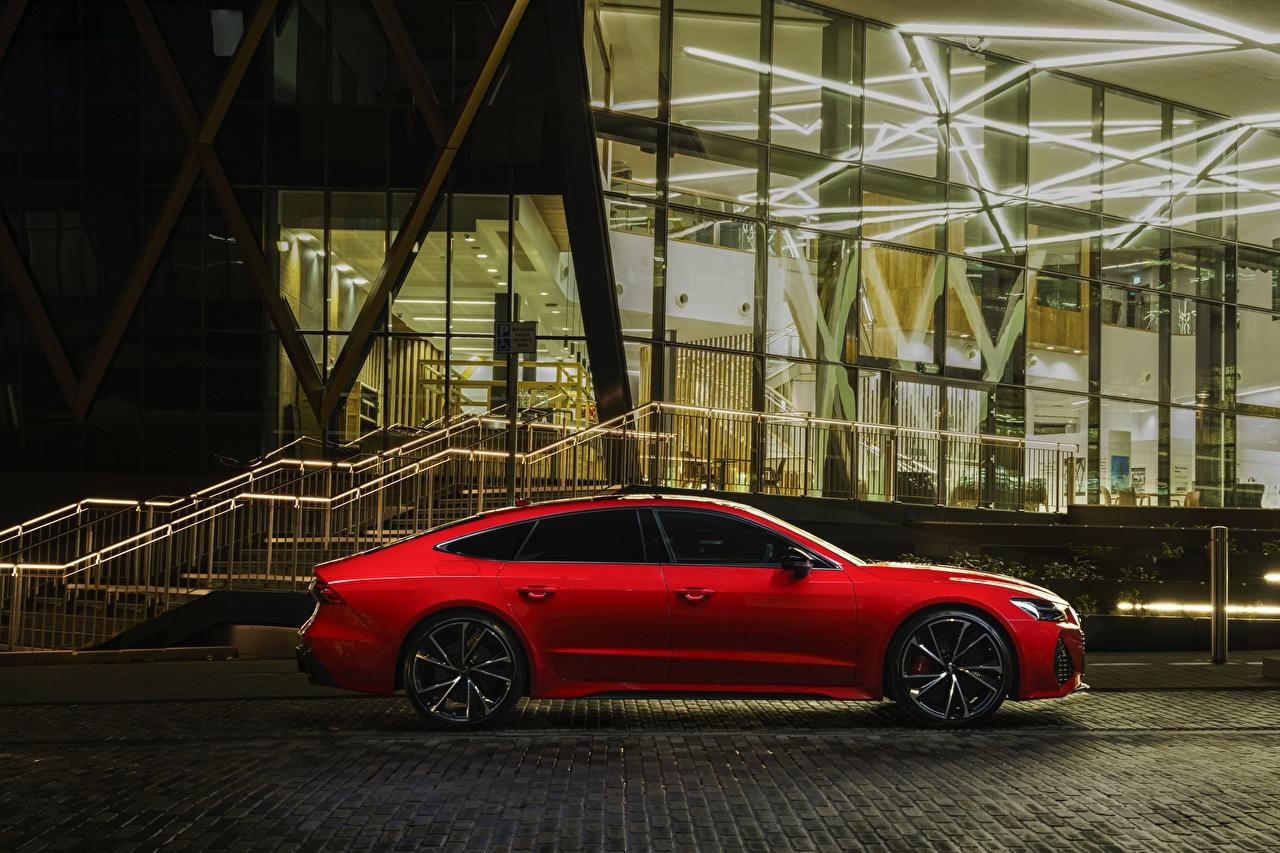 Фотография Audi UK version, RS7 Sportback красных Сбоку машины Ауди красная красные Красный авто машина Автомобили автомобиль