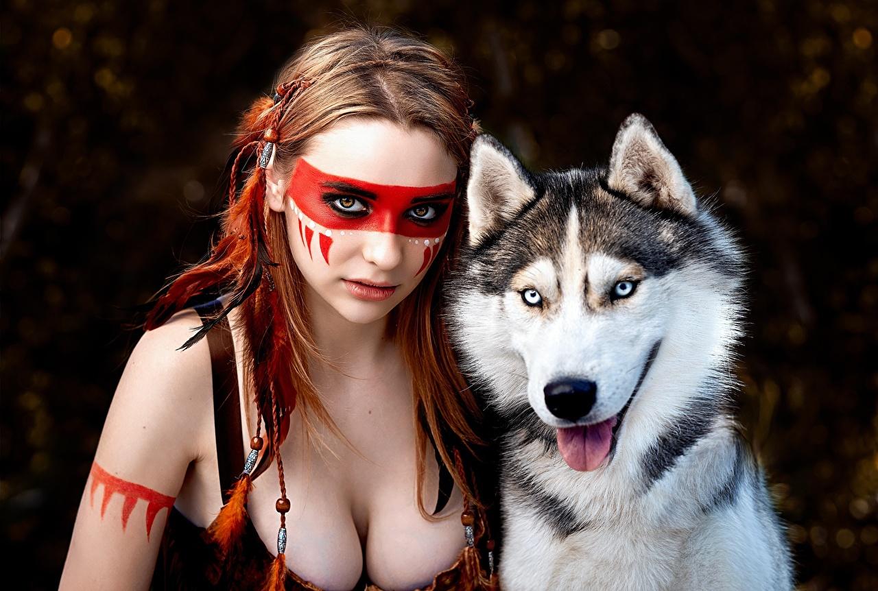 Фотографии Хаски Собаки Индейцы Alena Tzurcan, Vyacheslav Tzurcan Красивые вырез на платье Девушки собака индеец индейца Декольте красивый красивая девушка молодые женщины молодая женщина