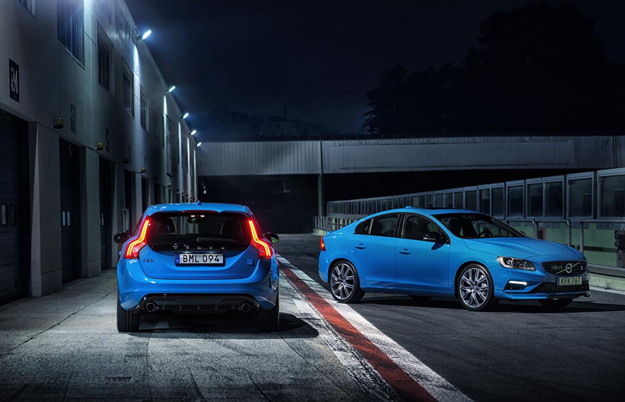 Картинка Volvo две голубых машины Вольво 2 два Двое вдвоем Голубой голубая голубые авто машина автомобиль Автомобили