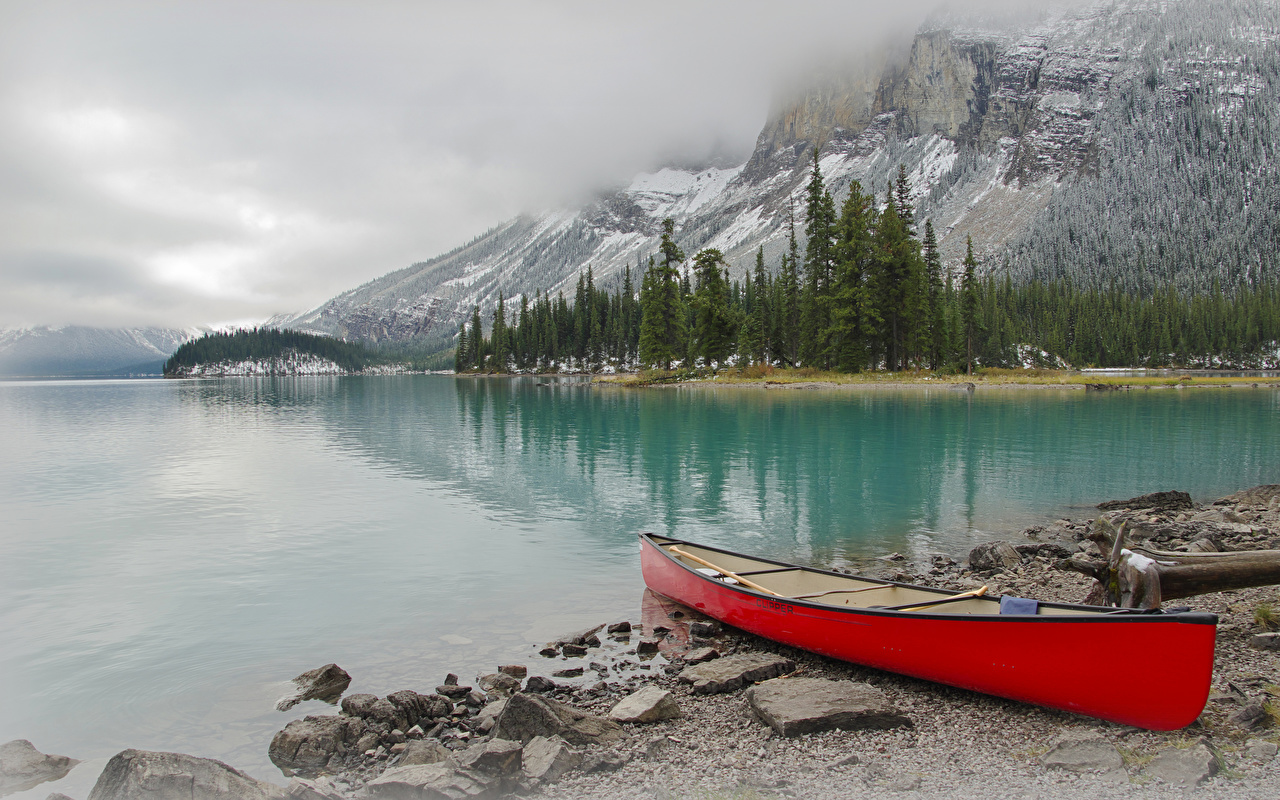 Фото Джаспер парк Канада Горы Природа Озеро Парки Лодки берег гора парк Побережье