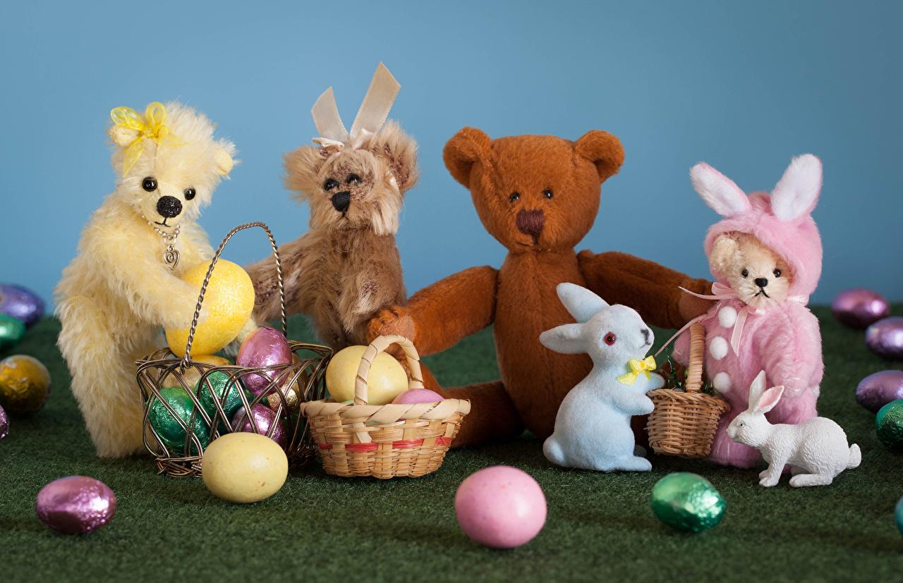 Картинки Пасха Кролики Яйца Корзинка Плюшевый мишка Игрушки кролик яиц яйцо яйцами Мишки Корзина корзины игрушка