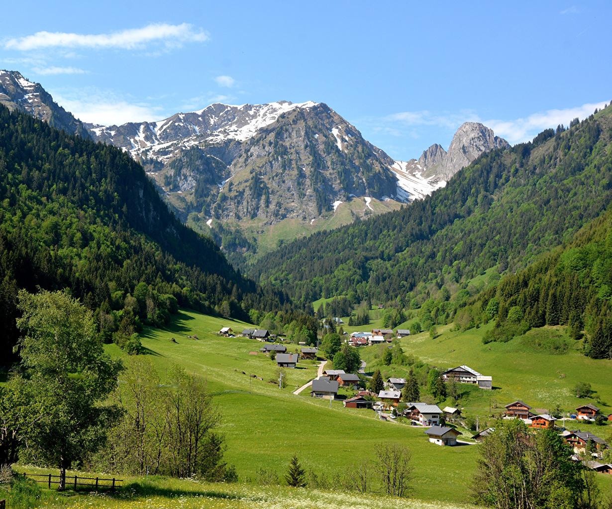 Картинки Франция Haute Savoie Горы Природа лес Луга Здания гора Леса Дома