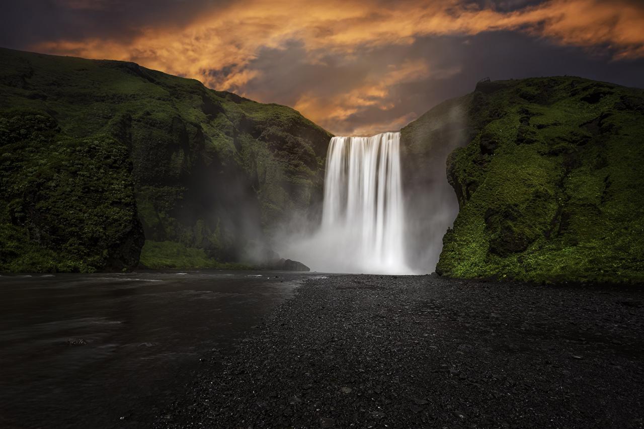Обои Исландия Skogafoss Скала Природа Водопады Мох Вечер Утес