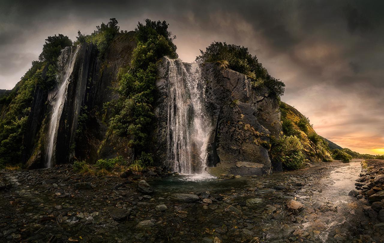 Фотографии Новая Зеландия Franz Josef Valley Утес Природа Водопады Камни кустов скалы скале Скала Камень Кусты
