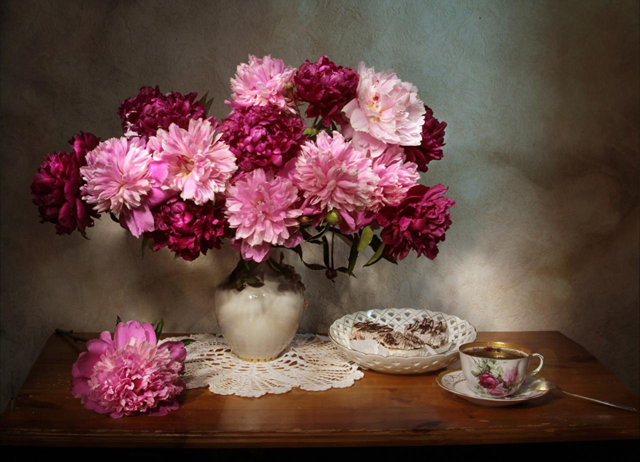 Фотография Чай пион цветок вазы Пища чашке Пирожное Пионы Цветы Еда вазе Ваза Чашка Продукты питания