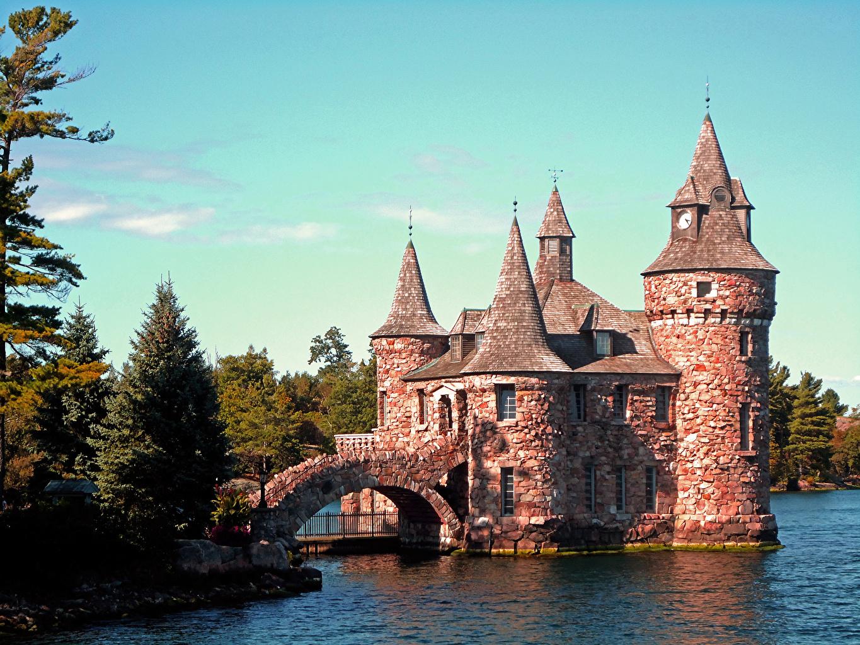 Фотография США Boldt Castle, HART Island, state of new York Замки Мосты Города Деревья штаты
