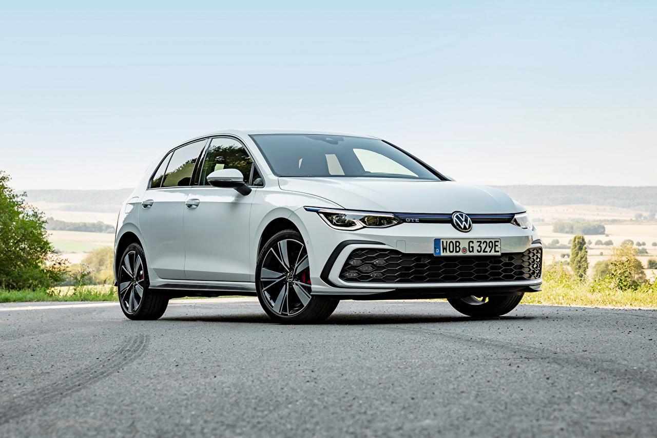 Фотографии Volkswagen Golf GTE, 2020 белые Металлик Автомобили Фольксваген белая Белый белых авто машины машина автомобиль