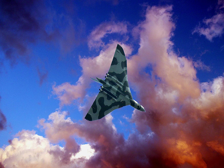 Обои бомбардировщик, Облака, Самолёт. Авиация foto 10