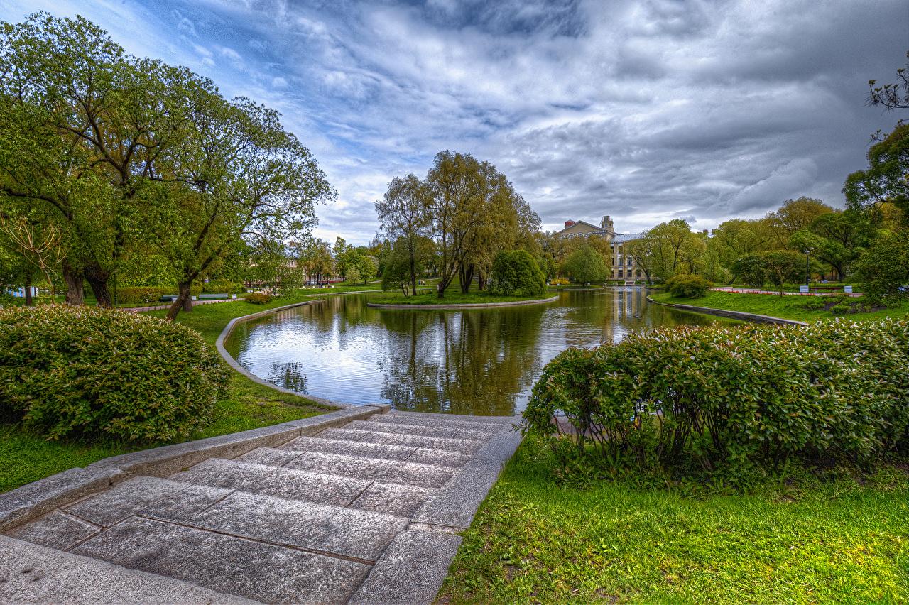 Фото Санкт-Петербург Россия Yusupovsky Garden HDR Природа Лестница Пруд парк кустов Деревья HDRI лестницы Парки Кусты дерева дерево деревьев