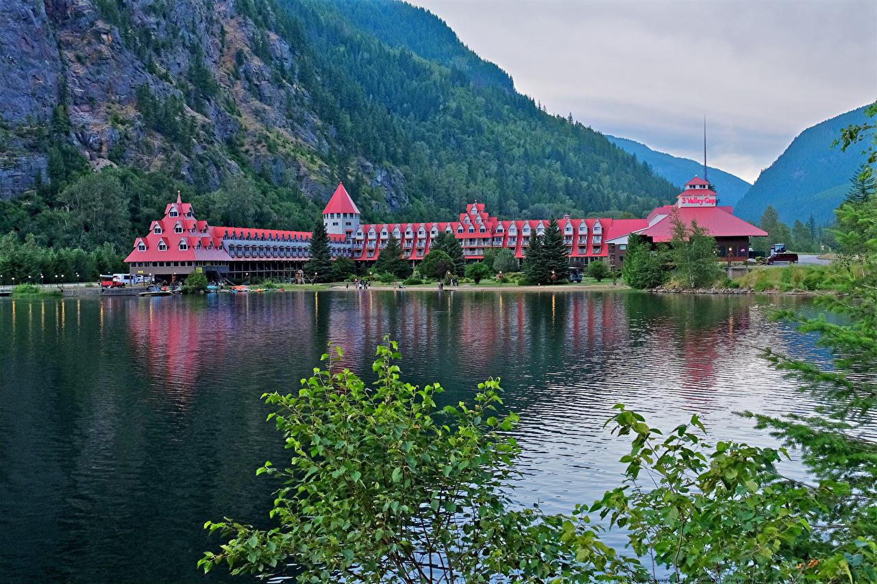 Фото Канада Three Valley Lake Chateau British Columbia Горы Отель Природа Озеро Ветки гора отеля Гостиница гостиницы ветвь ветка на ветке