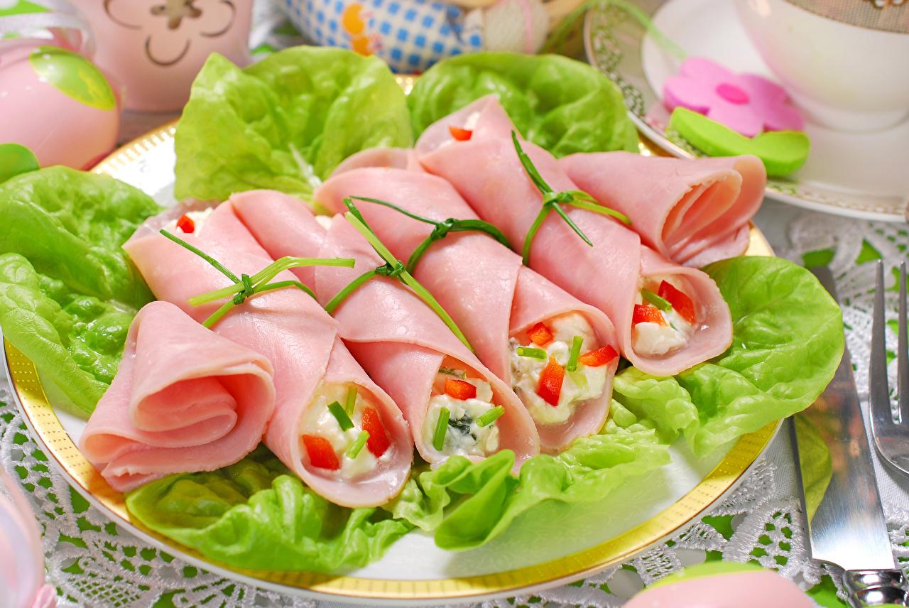 Фотографии Колбаса Пища нарезка Мясные продукты Еда Продукты питания Нарезанные продукты