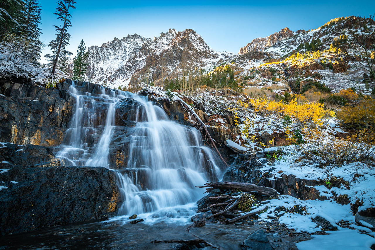 Фотография Калифорния америка Lundy Canyon гора Утес Природа Водопады Камни калифорнии США штаты Горы Скала скале скалы Камень