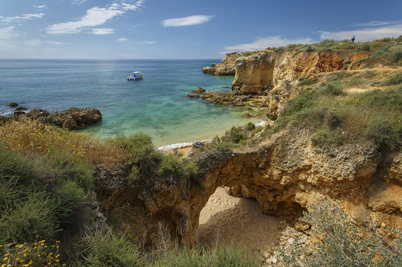 Картинка Португалия Praia dos Arrifes Скала Природа Трава берег Утес Побережье
