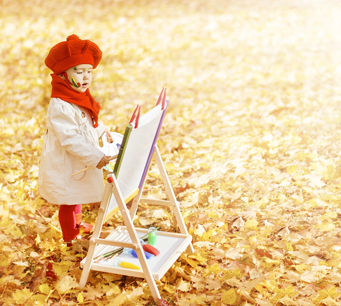 Обои для рабочего стола Девочки Листья Дети Осень девочка лист Листва ребёнок осенние
