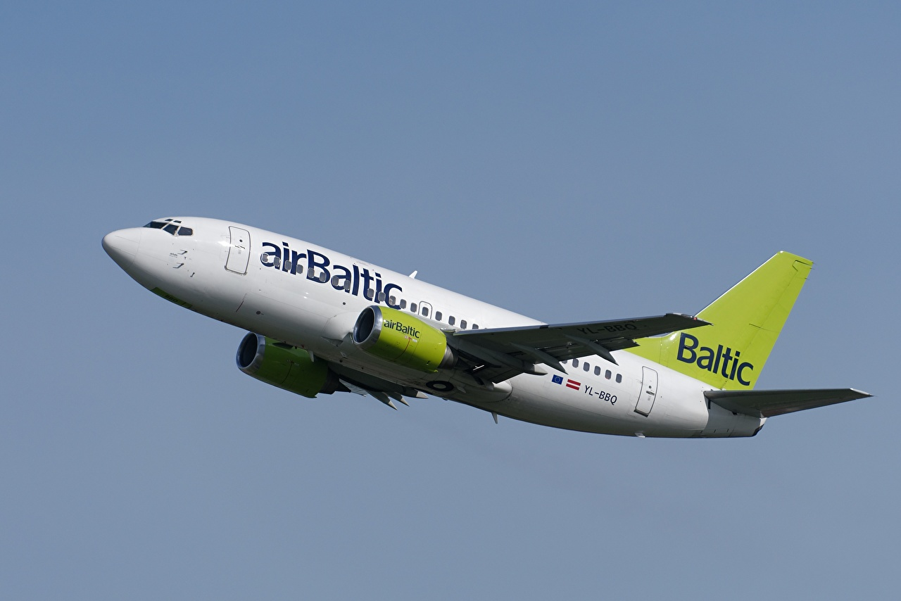 Картинки Боинг Самолеты Пассажирские Самолеты Air Baltic 737-53S Авиация Boeing