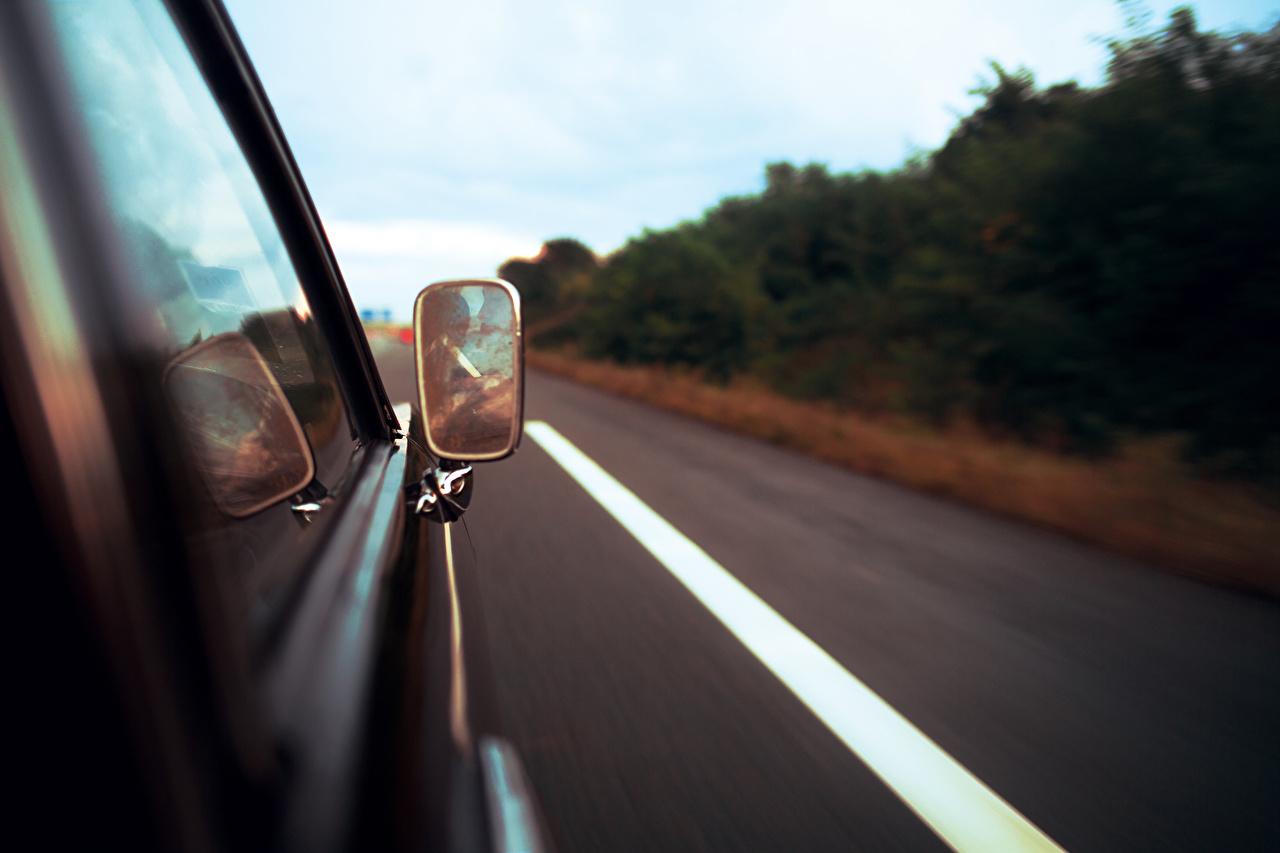 Картинка Дороги скорость Зеркало автомобиль едет едущий едущая Движение авто зеркал машины машина зеркала Автомобили