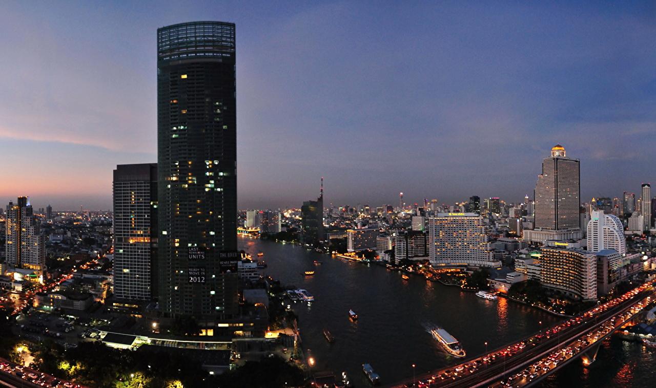 Картинки Бангкок Таиланд Мегаполис Водный канал Небоскребы город Здания мегаполиса Дома Города