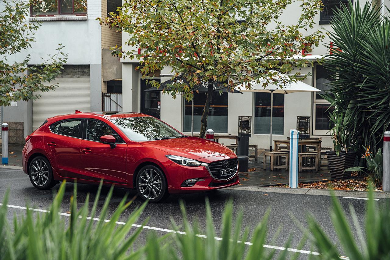 Картинки Mazda 2016 Mazda3 SP25 Astina Hatchback красная Металлик Автомобили Мазда красных красные Красный авто машина машины автомобиль