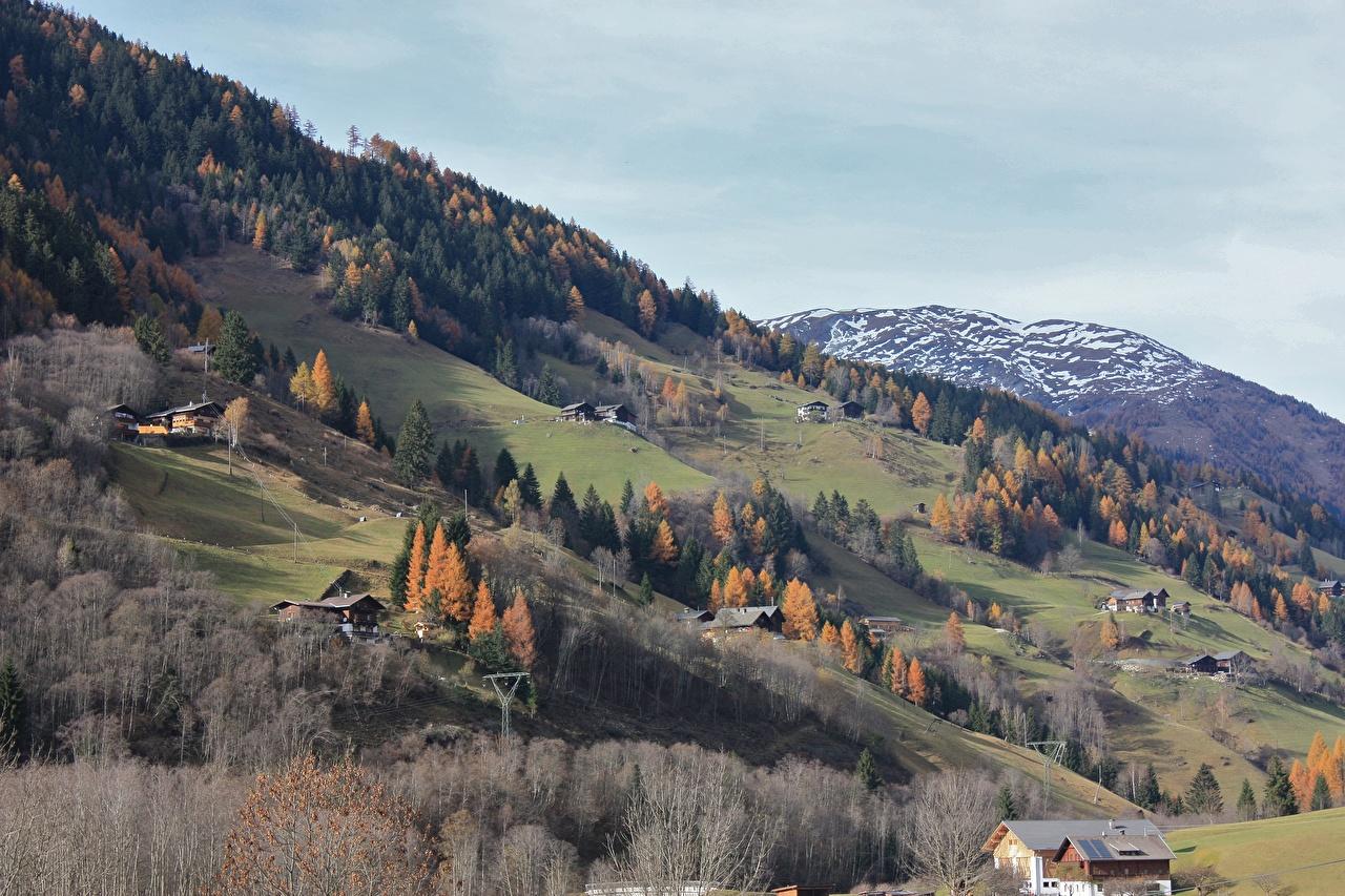 Фотографии Австрия село Großkirchheim Горы осенние Природа Снег Дома Деревня поселок гора Осень снега снегу снеге Здания