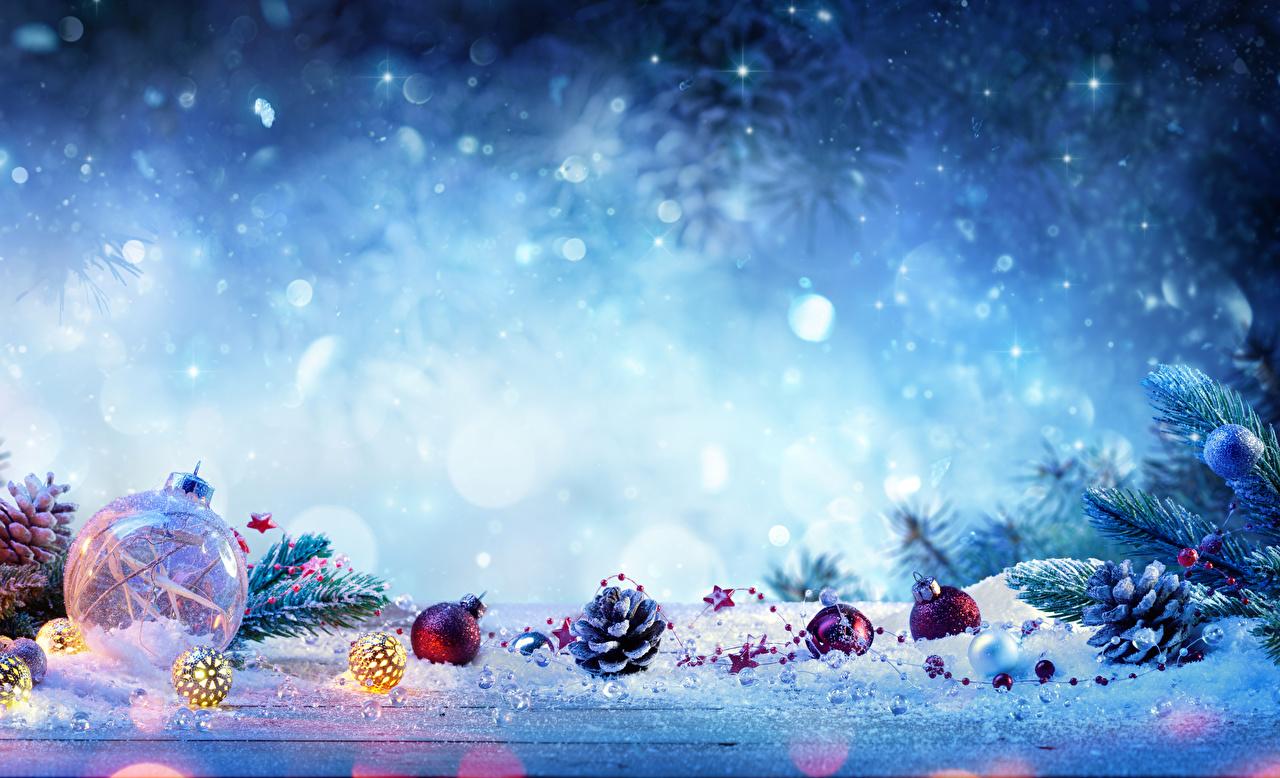 Обои для рабочего стола Рождество Снег шишка Шарики Новый год снеге снегу снега Шар Шишки