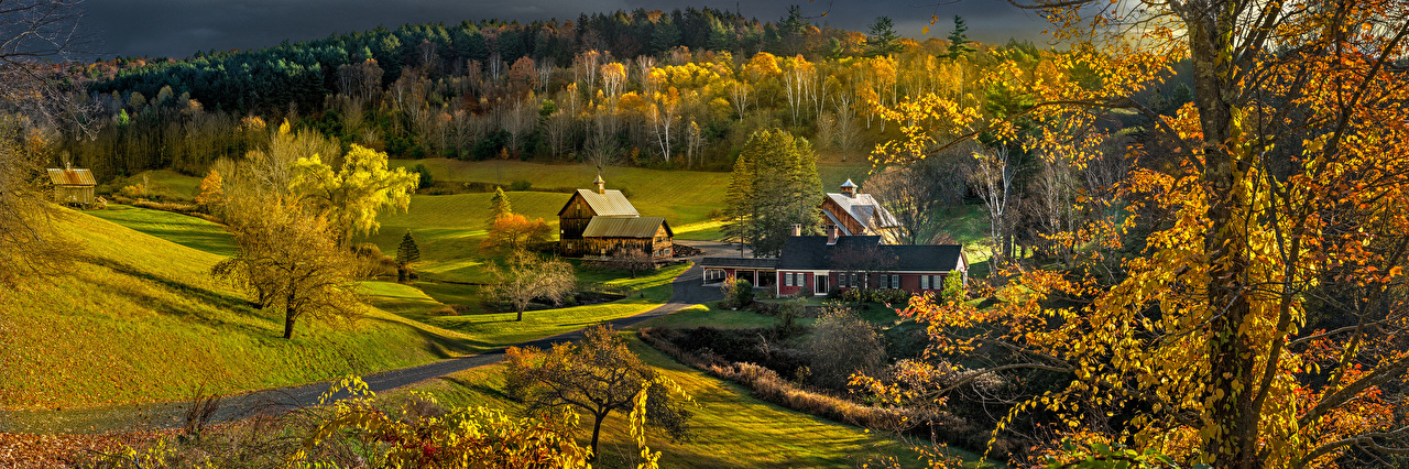 Обои для рабочего стола Природа штаты Vermont Осень деревьев Дома Панорама США америка дерево дерева осенние Деревья Здания панорамная