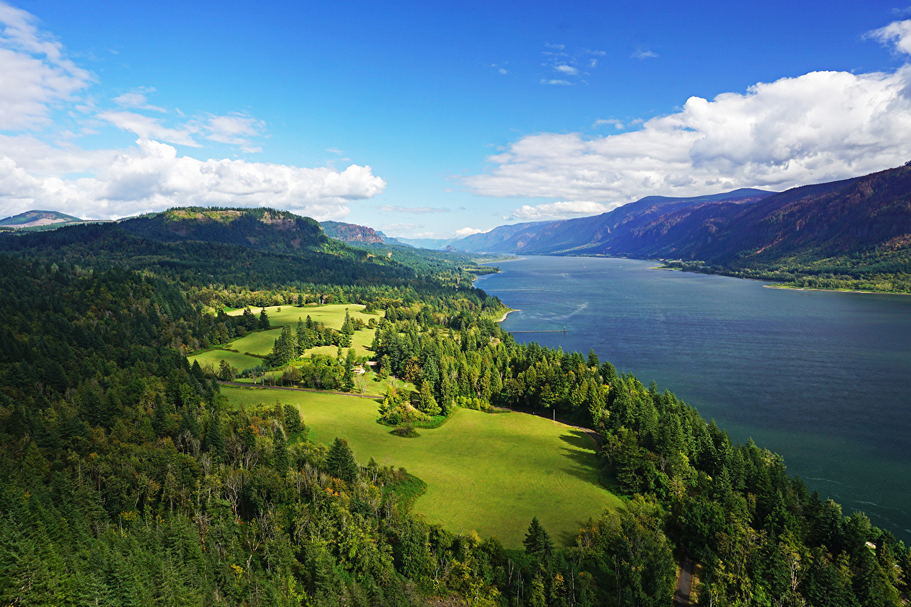 Картинка штаты Columbia River Gorge Природа Небо Леса Луга холм Пейзаж речка США америка лес Холмы холмов Реки река