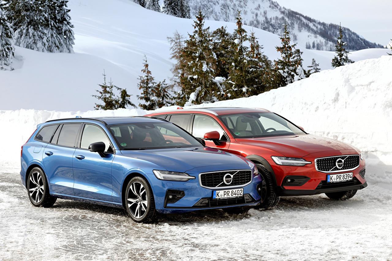 Фото Вольво 2018-19 V60 Двое Авто Металлик Volvo 2 вдвоем Машины Автомобили