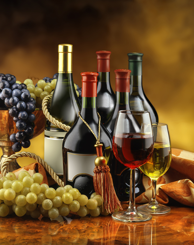 Обои Вино Виноград бокал Бутылка Продукты питания Еда Пища Бокалы бутылки