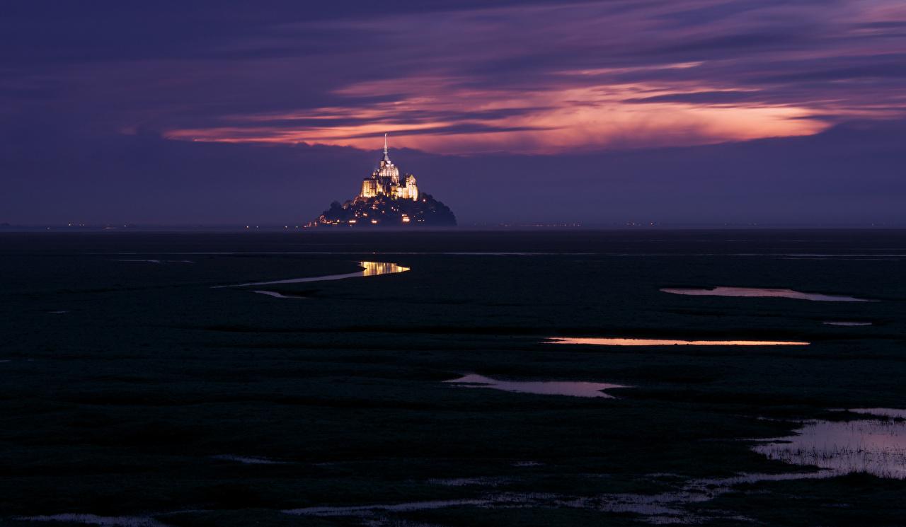 Фото Франция Mont Saint-Michel Небо ночью Города Ночь в ночи Ночные город