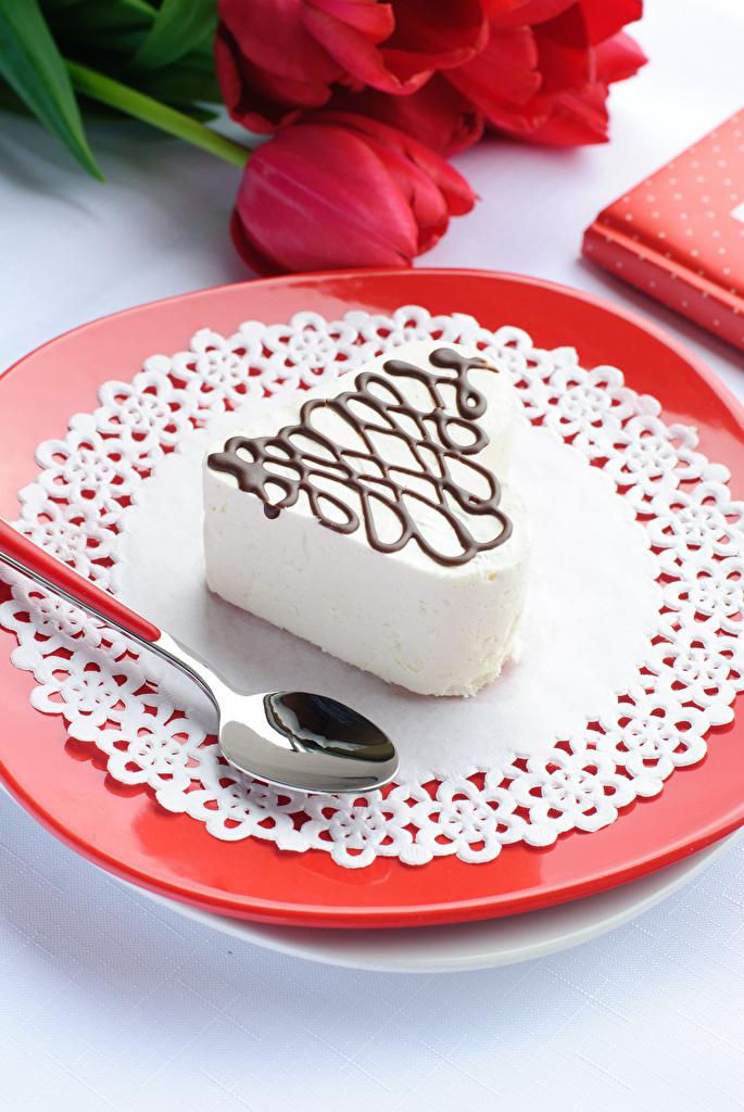 Картинки День всех влюблённых Пища ложки Тарелка Пирожное сладкая еда День святого Валентина Еда Ложка тарелке Продукты питания Сладости