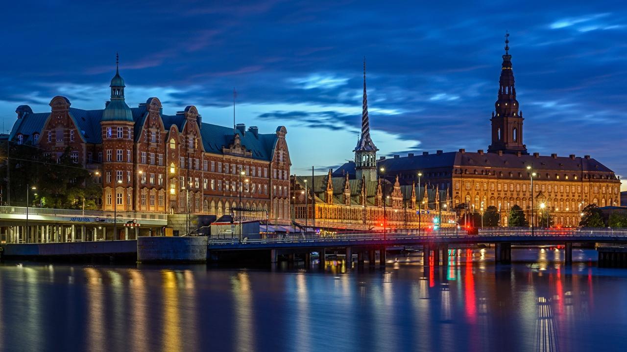 Обои для рабочего стола Города Дания мост речка Вечер Здания Копенгаген город Мосты река Реки Дома