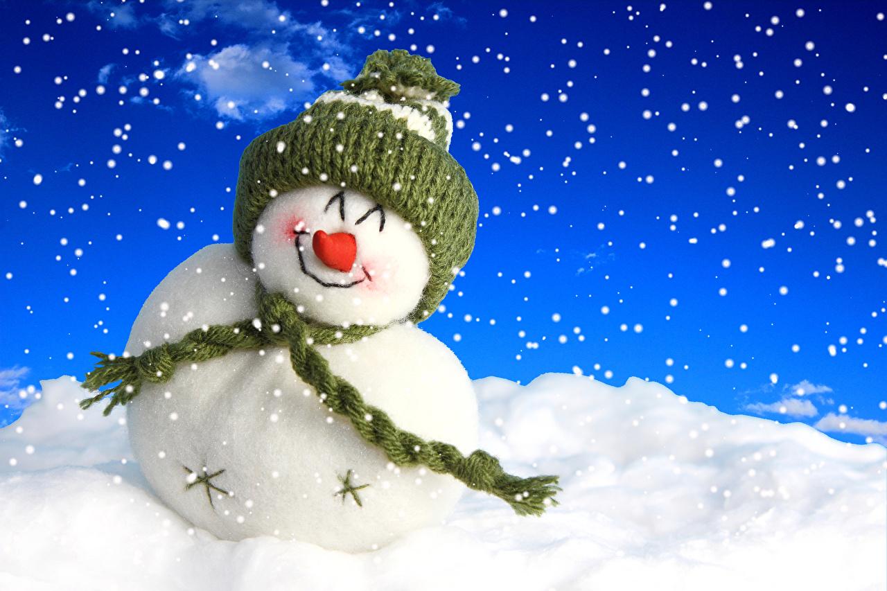 Картинки Шарф Зима Шапки Снег Снеговики зимние