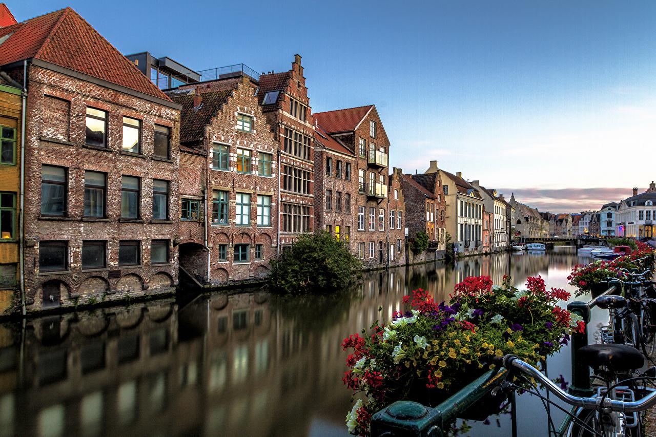 Фотографии Бельгия Велосипедный руль Gent Водный канал Петунья Дома город Города Здания
