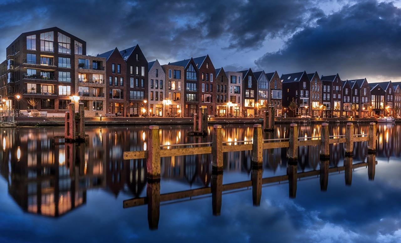 Картинки Нидерланды Haarlem, North Holland Водный канал отражается Города Здания голландия Отражение отражении Дома город