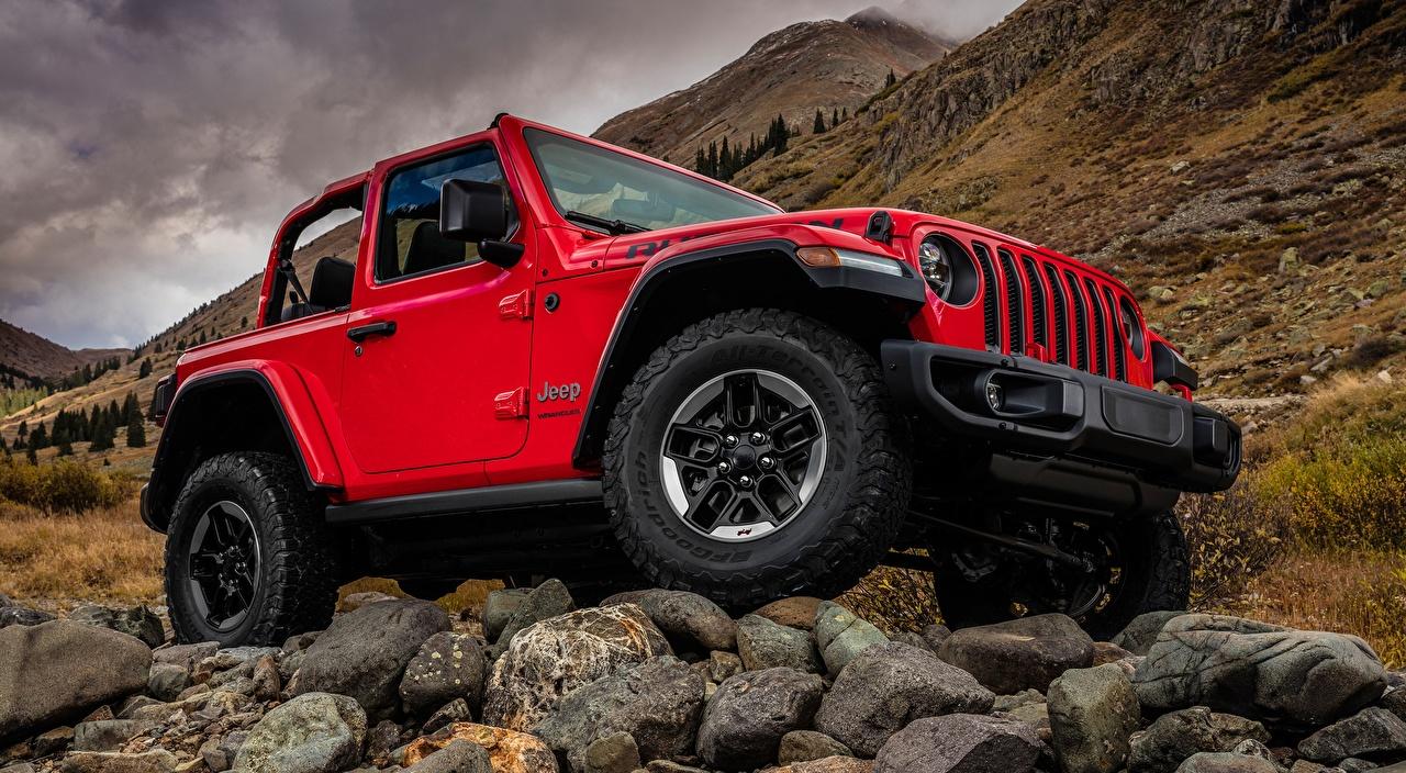 Фото Джип Внедорожник Wrangler Rubicon, 2018 Красный Камень машины Jeep SUV красная красные красных авто Камни машина Автомобили автомобиль