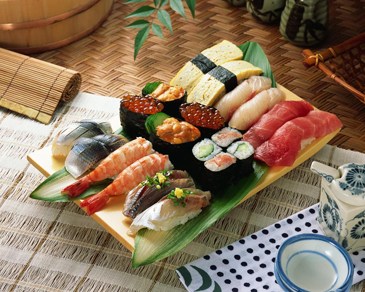 Фотография Икра Суши Пища Морепродукты суси Еда Продукты питания