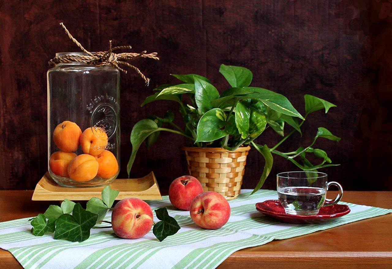 Фото Абрикос Банка Персики Еда Ветки Чашка Натюрморт Пища ветвь Продукты питания
