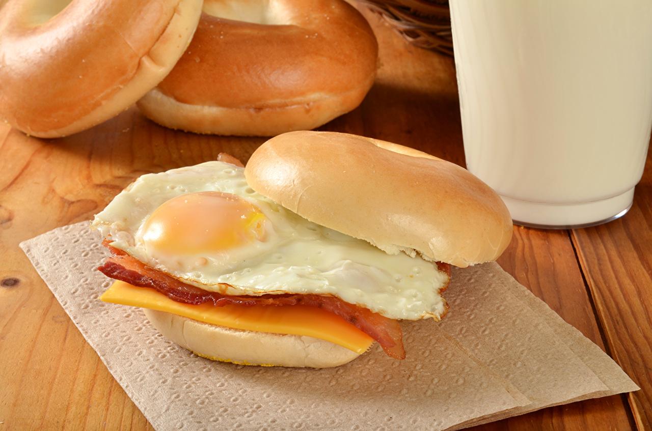 Фотографии Яичница Фастфуд Булочки бутерброд Пища яичницы глазунья Бутерброды Быстрое питание Еда Продукты питания