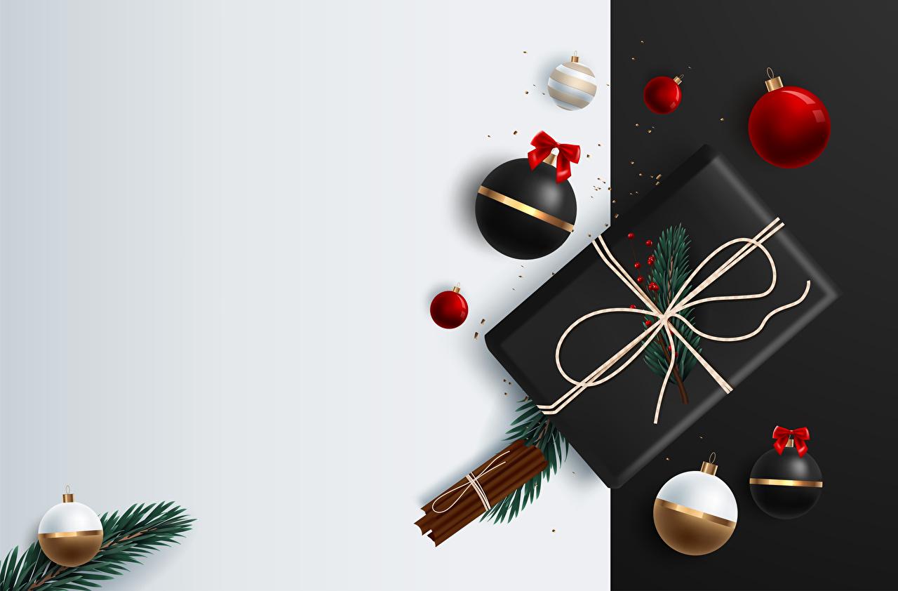 Обои для рабочего стола Рождество Корица подарков Шар на ветке Шаблон поздравительной открытки Векторная графика Новый год подарок Подарки ветвь ветка Ветки Шарики