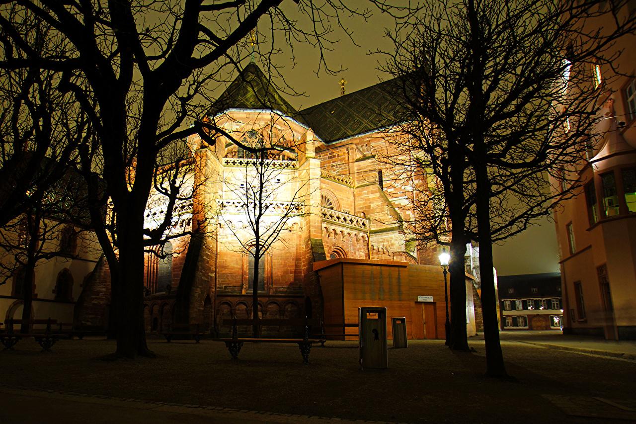 Обои для рабочего стола Швейцария Basel Ночь Храмы Уличные фонари Города храм ночью в ночи Ночные город