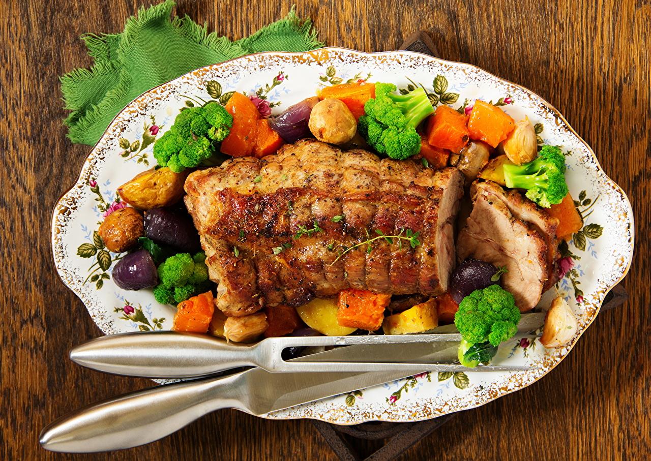 Картинка Пища Овощи Тарелка Крупным планом Мясные продукты Еда тарелке Продукты питания вблизи