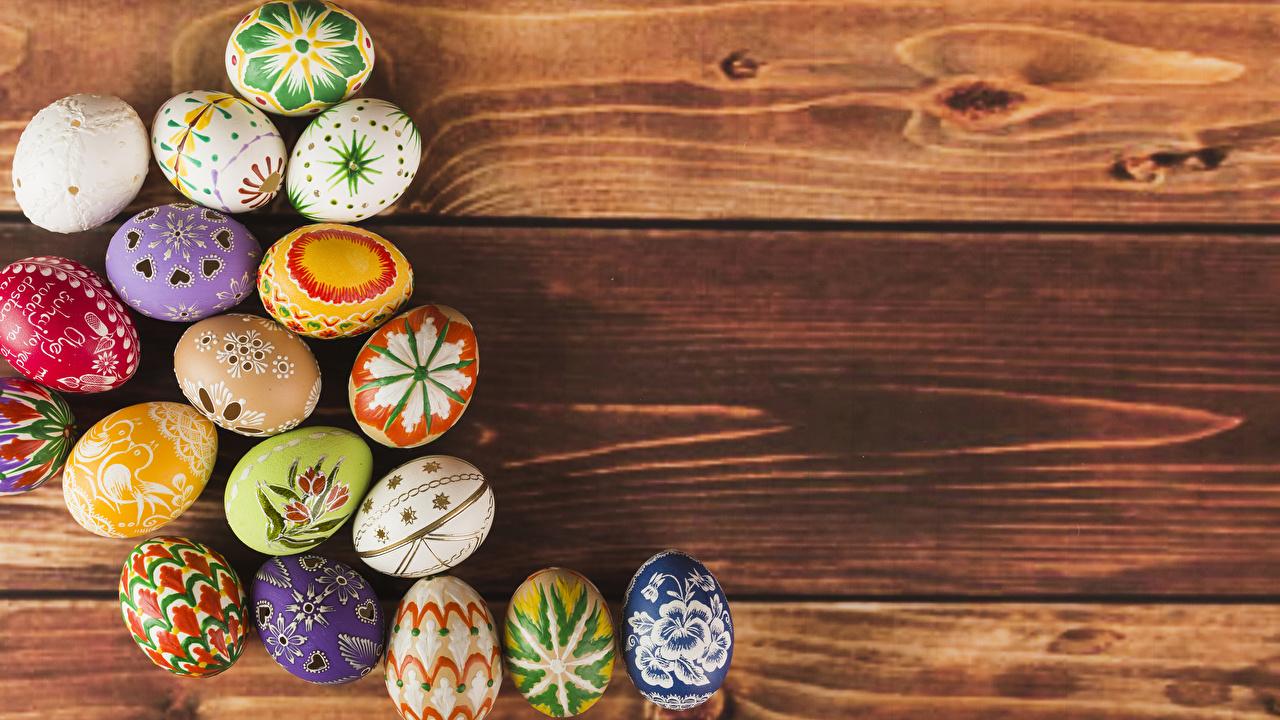 Фотография Пасха Разноцветные яйцами Доски Дизайн яиц Яйца яйцо дизайна